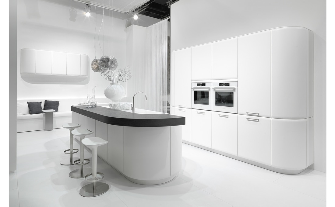 Curved kitchen doors east london kitchens east london for Curved kitchen units uk